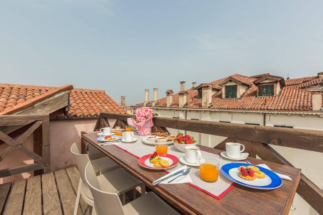 Luxury Apartment with Altana in Venice